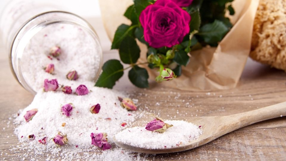 Luxurious Floral CBD Bath Soak: A Gift for Mom